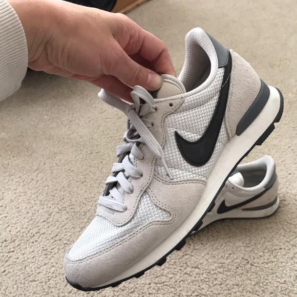 size 40 70922 e855d Nike old school sneakers